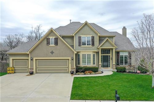 Photo of 6130 NW HICKORY Place, Parkville, MO 64152 (MLS # 2214840)