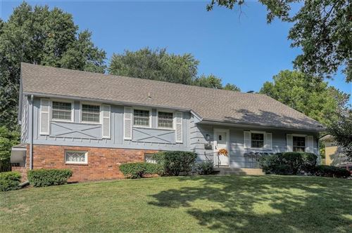 Photo of 7928 Roe Avenue, Prairie Village, KS 66208 (MLS # 2244840)