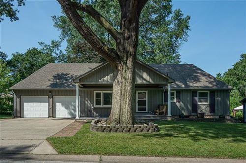 Photo of 7608 Russell Road, Prairie Village, KS 66204 (MLS # 2348840)