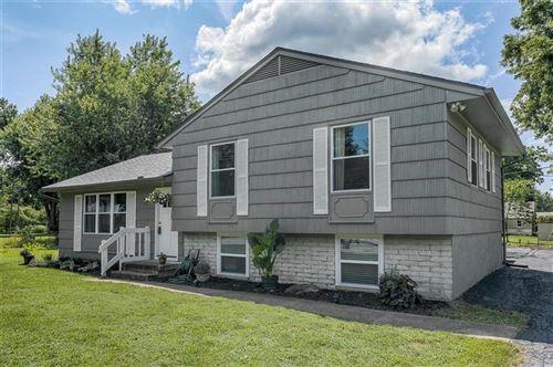 Photo of 301 SW 8th Street, Oak Grove, MO 64075 (MLS # 2234851)