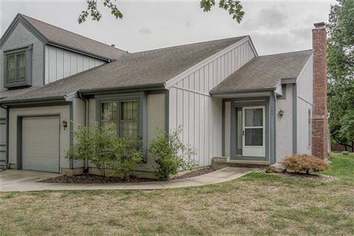 Photo of 11003 W 115th Terrace, Overland Park, KS 66210 (MLS # 2244870)