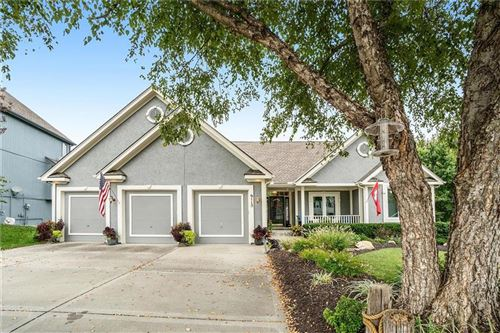 Photo of 6115 NW Forest Drive, Parkville, MO 64152 (MLS # 2244871)