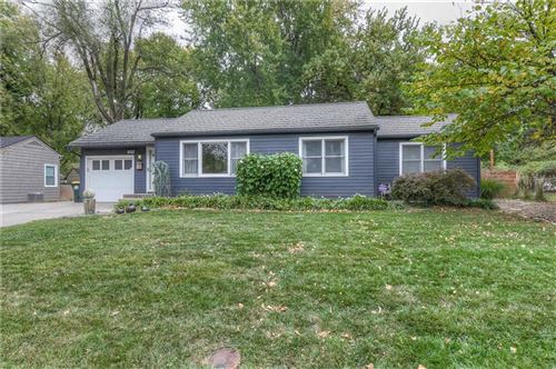 Photo of 8133 MACKEY Street, Overland Park, KS 66204 (MLS # 2248889)