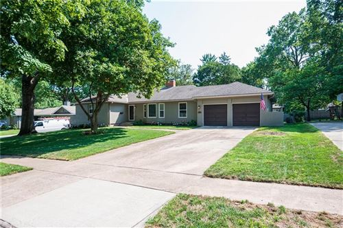 Photo of 5711 W 84th Terrace, Overland Park, KS 66207 (MLS # 2241896)