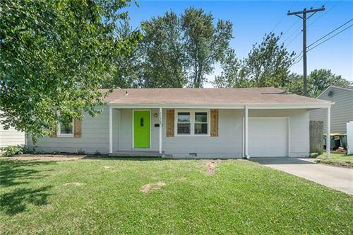 Photo of 11305 W 70th Street, Shawnee, KS 66203 (MLS # 2323901)