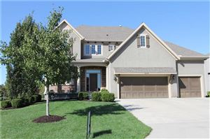 Photo of 16424 OAKMONT Street, Overland Park, KS 66221 (MLS # 2189902)