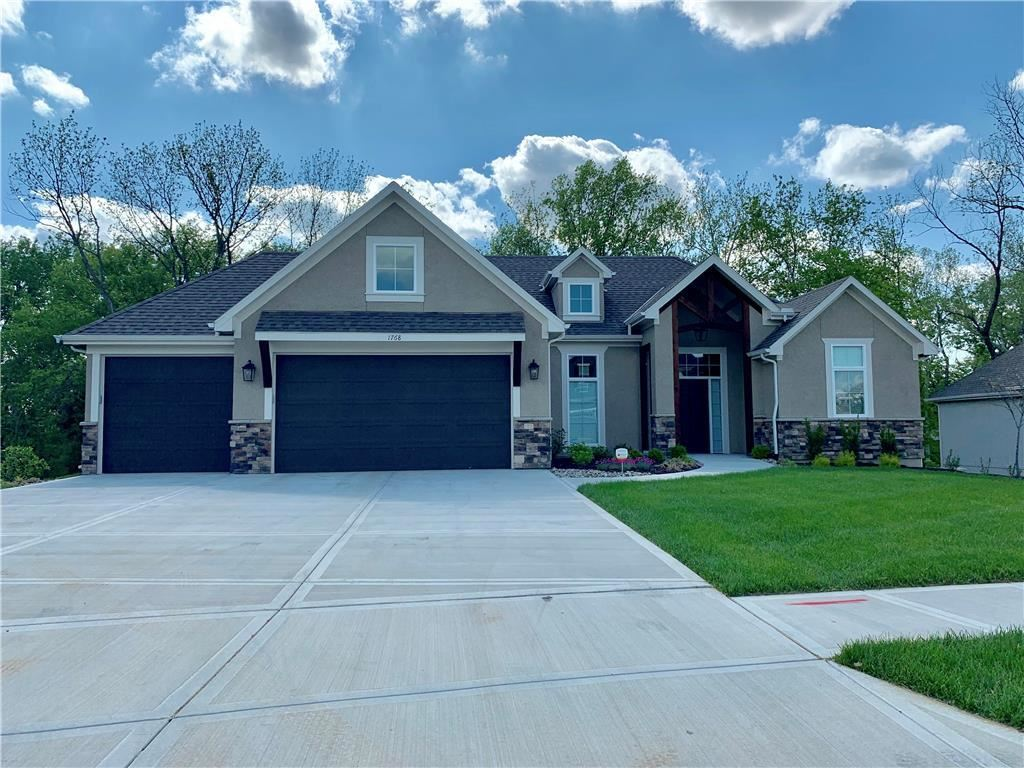 Photo for 1768 Homestead Drive, Liberty, MO 64068 (MLS # 2164906)