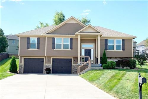Photo of 2210 NE Treetop Drive, Blue Springs, MO 64029 (MLS # 2203929)