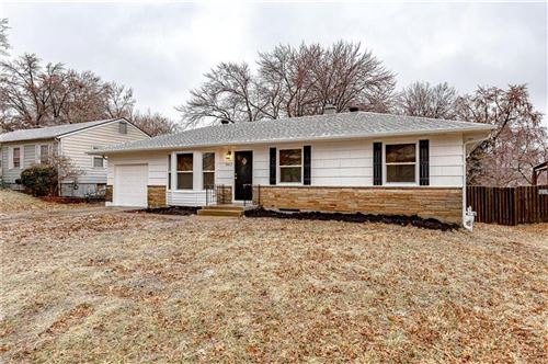 Photo of 8412 E 85th Terrace, Raytown, MO 64138 (MLS # 2203935)