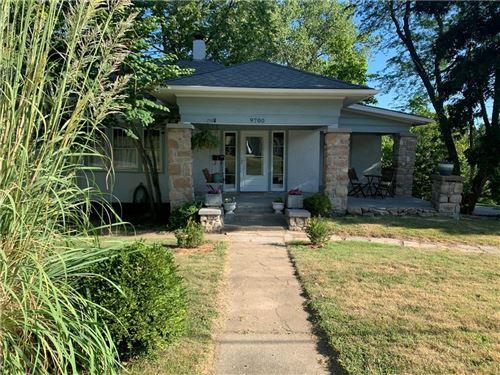 Photo of 9700 Johnson Drive, Merriam, KS 66203 (MLS # 2239936)