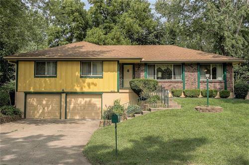 Photo of 8036 Yecker Avenue, Kansas City, KS 66109 (MLS # 2242947)