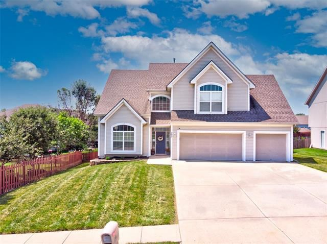 Photo of 703 Lucille Street, Liberty, MO 64068 (MLS # 2333950)