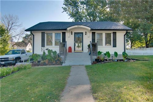 Photo of 927 N Strode Street, Independence, MO 64050 (MLS # 2244959)