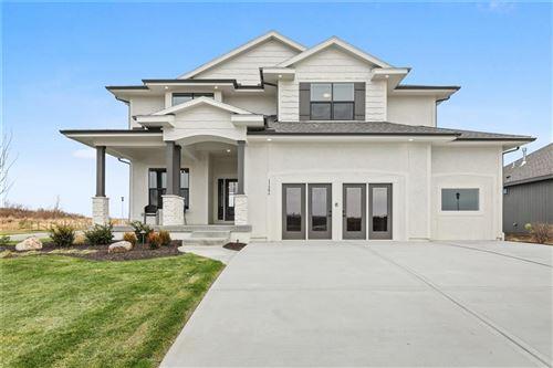 Photo of 17284 W 169th Terrace, Olathe, KS 66062 (MLS # 2350960)