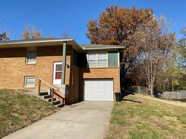 Photo for 7210-12 Gilmore Avenue, Kansas City, KS 66111 (MLS # 2313968)