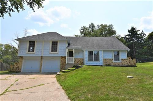 Photo of 3731 S Jennings Court, Independence, MO 64055 (MLS # 2337969)
