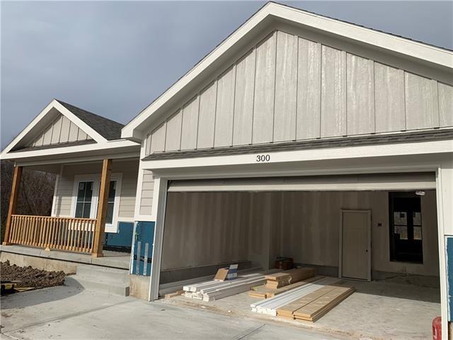 Photo of 300 Creekwood Drive, Liberty, MO 64068 (MLS # 2323992)