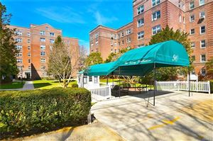 Photo of 90 Bryant Avenue #Embassy-TE, White Plains, NY 10605 (MLS # 4919000)