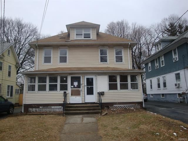 Photo of 19 Fairlawn Avenue, Middletown, NY 10940 (MLS # 6014009)
