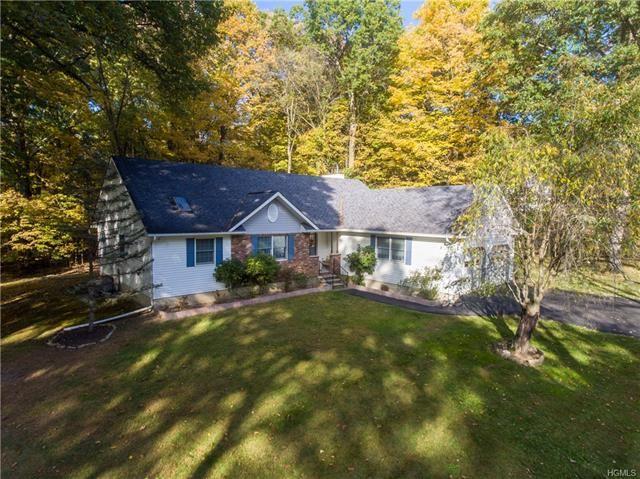 Photo of 23 Windy Ridge Road, Wallkill, NY 12589 (MLS # 5106011)