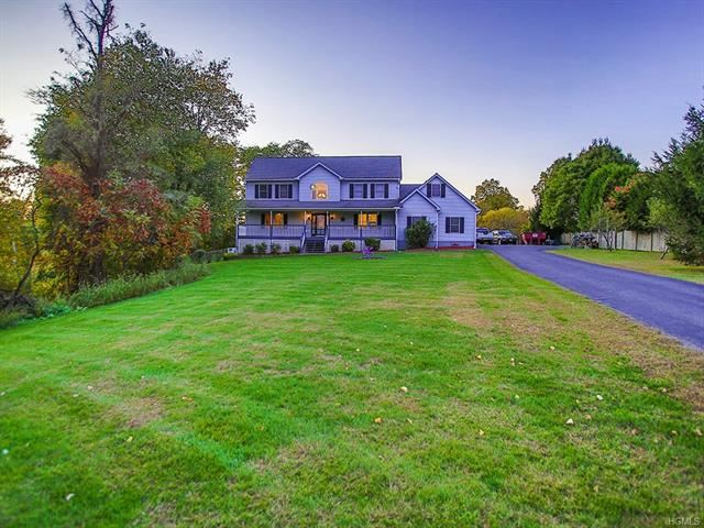 Photo of 44 Rolling Meadow Court, Pine Bush, NY 12566 (MLS # 5102017)