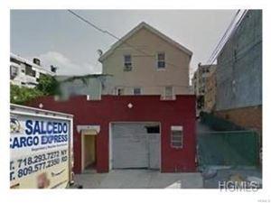 Photo of 132 Oak Street, Yonkers, NY 10701 (MLS # 4749024)