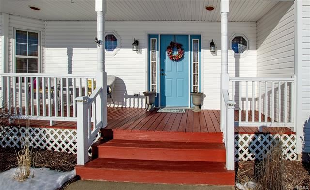 Photo of 41 Heritage Crossing, Circleville, NY 10919 (MLS # 6007046)
