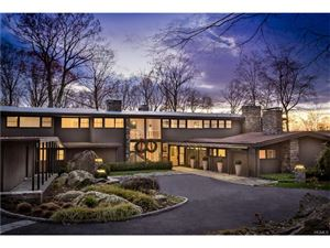 Photo of 2110 Quaker Ridge Road, Croton-on-Hudson, NY 10520 (MLS # 4800050)