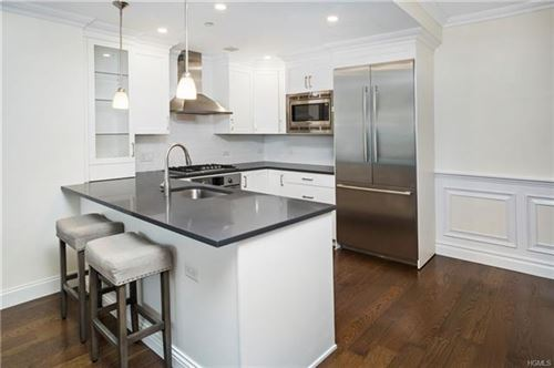 Photo of 10 Byron Place #413, Larchmont, NY 10538 (MLS # 6008054)