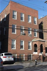Photo of 753 East 226th Street, Bronx, NY 10466 (MLS # 4815101)