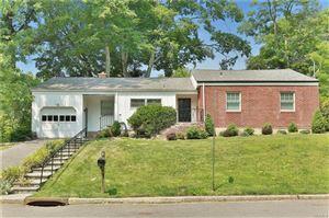 Photo of 2 Wood Hollow Lane, New Rochelle, NY 10804 (MLS # 4828110)