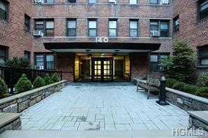 Photo of 140 East Hartsdale Avenue #5I, Hartsdale, NY 10530 (MLS # 5115116)
