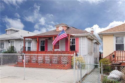 Photo of 336 King Avenue, Bronx, NY 10464 (MLS # 6024121)