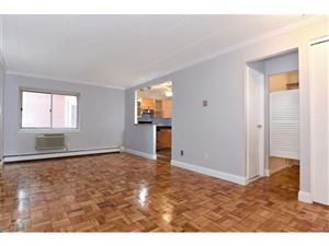 Photo of 372 Central Park, Scarsdale, NY 10583 (MLS # 4801141)