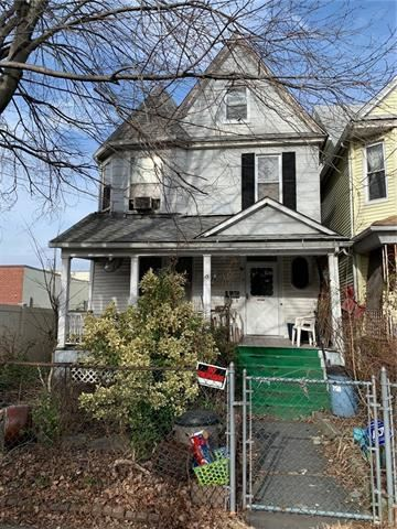 Photo of 13 Randolph Street, Yonkers, NY 10705 (MLS # 6005146)