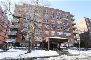 Photo of 10 Old Mamaroneck Road #4-M, White Plains, NY 10605 (MLS # 4912166)