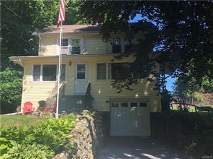 Photo of 9 Wawayanda Place, Middletown, NY 10940 (MLS # 4831181)