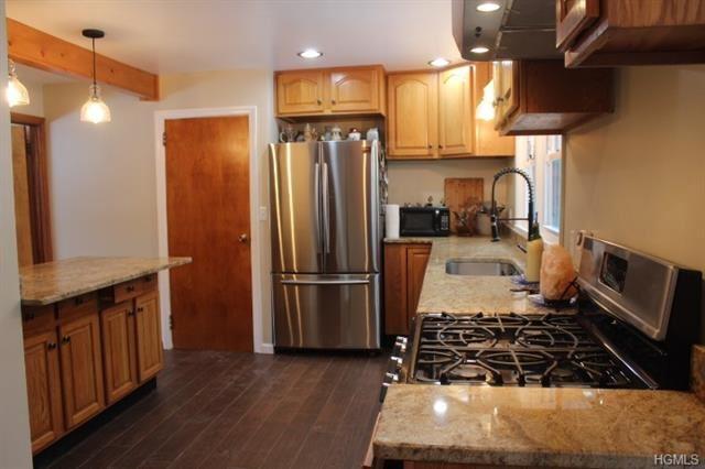 Photo of 285 Mountain View Avenue, Wallkill, NY 12589 (MLS # 5117200)