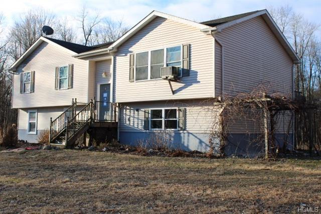 Photo of 226 Quaker Street, Wallkill, NY 12589 (MLS # 6009238)