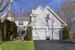Photo of 15 Cobblefield Lane, White Plains, NY 10605 (MLS # 4915284)
