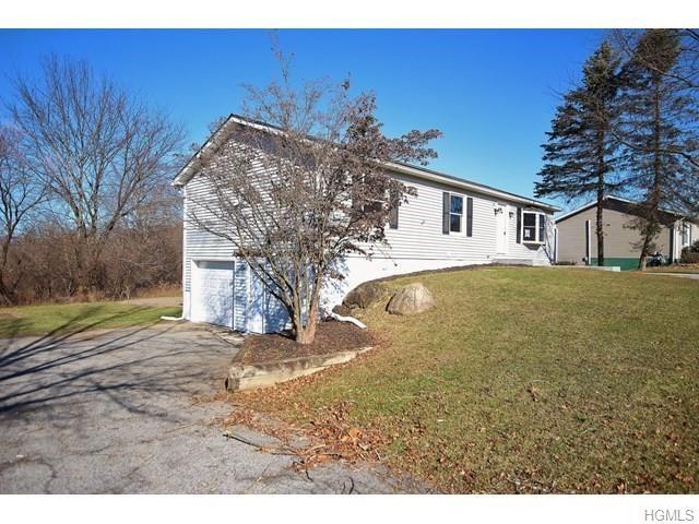 Photo of 29 C E Penney Drive, Wallkill, NY 12589 (MLS # 5121301)