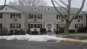 Photo of 10 Oxford Court, Suffern, NY 10901 (MLS # 4811311)