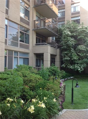 Photo of 35 North Chatsworth Avenue #4Q, Larchmont, NY 10538 (MLS # 5130312)