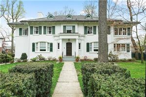 Photo of 656 Esplanade, Pelham, NY 10803 (MLS # 4969322)