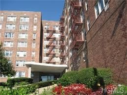 Photo of 333 Bronx River Road, Yonkers, NY 10704 (MLS # 4837342)