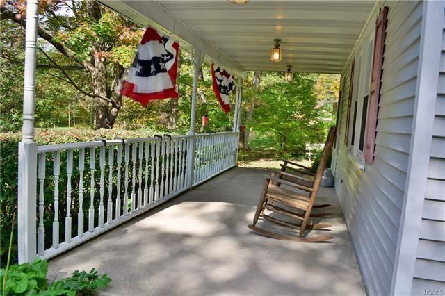 Photo of 43 Cragsmoor Road, Pine Bush, NY 12566 (MLS # 5098357)