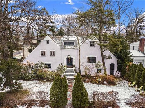 Photo of 495 Forest Avenue, New Rochelle, NY 10804 (MLS # 5124359)