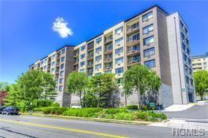 Photo of 703 Pelham Road #402, New Rochelle, NY 10805 (MLS # 4927360)