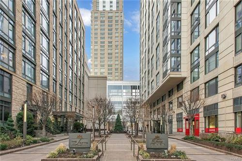 Photo of 10 City Place #14D, White Plains, NY 10601 (MLS # 6007372)