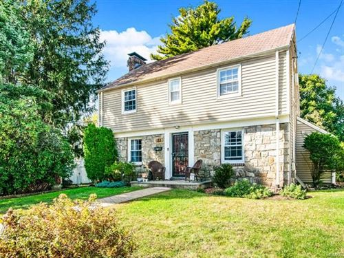Photo of 33 Fairfield Place, Yonkers, NY 10705 (MLS # 6005394)